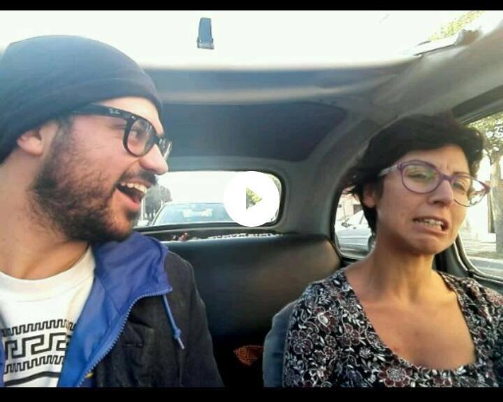 Qui sono insieme a MariaTeresa e stiamo parlando dei problemi della vita