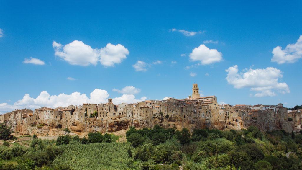Un posto a caso in Italia (google: borgo toscana): Pitigliano!